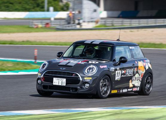 11 IDI RACING Car no.11
